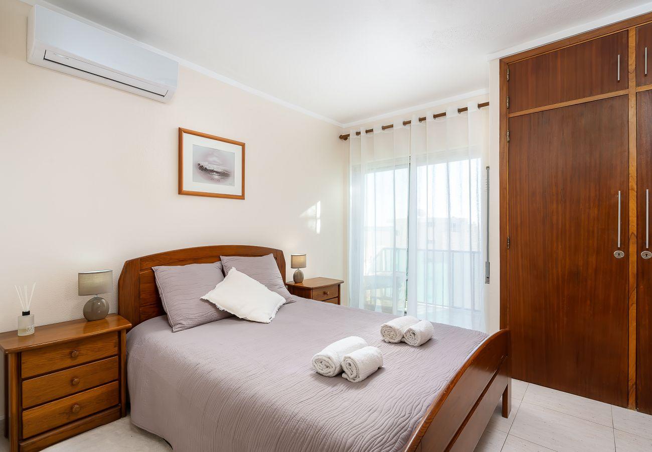 Apartamento em Portimão - Ocean Beachfront Home by Real Life Concierge