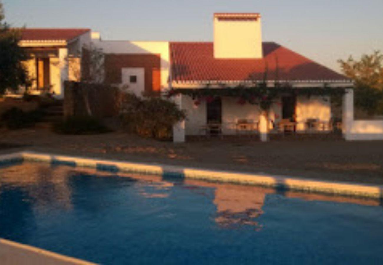Casa rural em Serpa - Cantar do Grilo- Turismo Rural