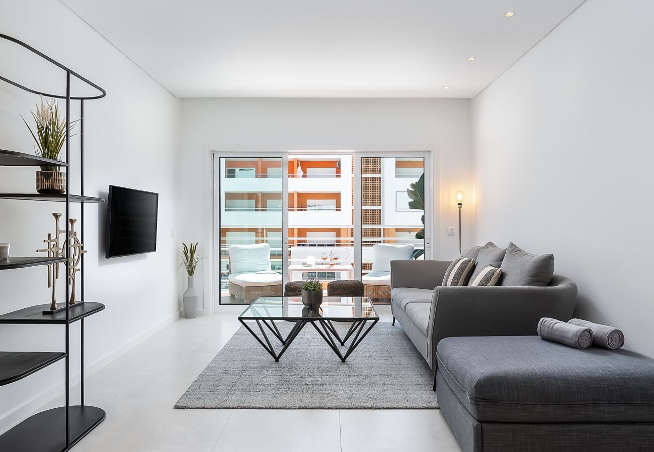 Apartment in Portimão - White Ocean Home by Real Life Concierge